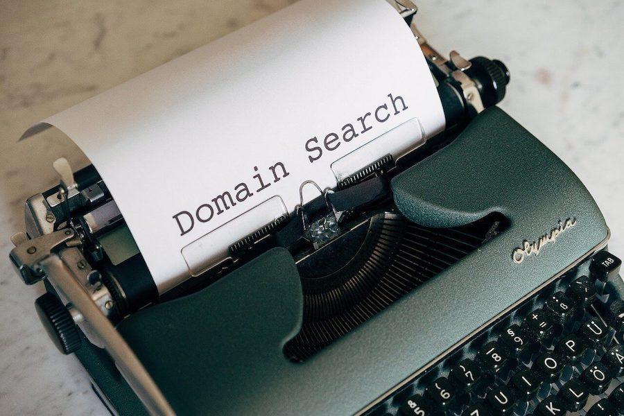 Wie passende Domain für Arztpraxis finden?